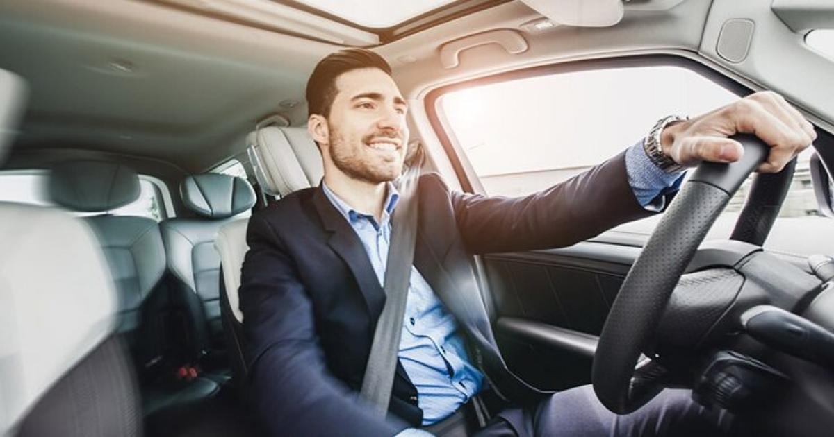 Fahrer mit Automatikgetriebe