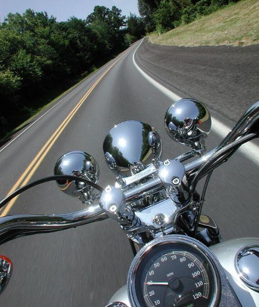 Kurvenfahrt Motorrad