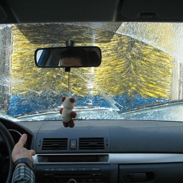 Auto Waschanlage bei Frost
