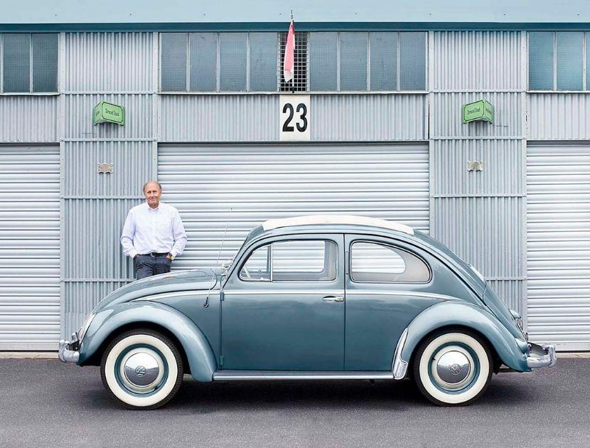 Oldtimer vor Garage